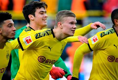 El Borussia Dortmund, de Haaland, recibe al Schalke 04.
