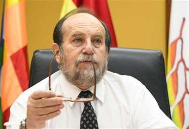 El ministro de Salud adelantó que desde la próxima semana irán llegando los respiradores convencionales