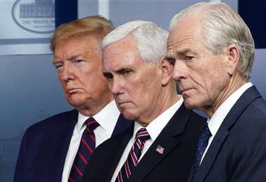 Trump, Pence y Navarro en la Casa Blanca. Foto AFP
