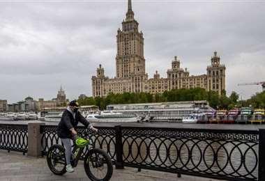 Rusia registra menos de 10.000 nuevos casos de coronavirus