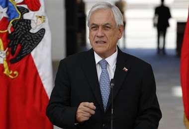 Mitad del Senado y ministro de Hacienda de Chile en cuarentena