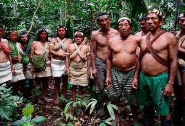Indígenas de la tribu Waorani de Ecuador. Foto Internet