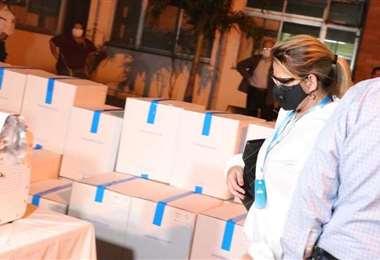 La semana pasada llegó un primer lote de respiradores al país