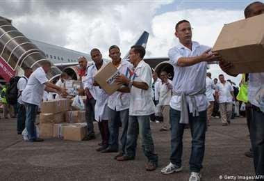 Brasil vuelve a contratar a médicos cubanos