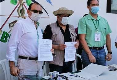 Firma del convenio CAO-Cidob en Santa Cruz