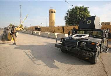 Foto de archivo de la parte delantera de la embajada de EEUU en Bagdad. Foto AFP