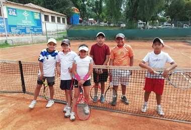 Son miles de tenistas bolivianos los que quieren volver lo antes posible a las canchas. Foto: Sucre Tenis Club
