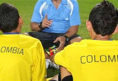 Jóvenes jugadores colombianos fueron engañados por falsos dirigentes y en la etapa de cuarentena se contagiaron del Covid-19 en Cochabamba. Foto: internet