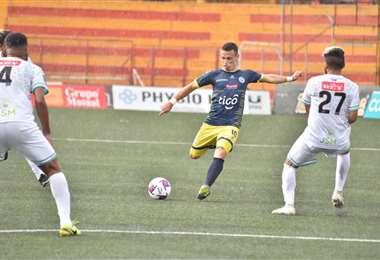 El partido entre los equipos de Guadalupe y Limón marcó el retorno del fútbol en el país centroamericano. Foto: Internet