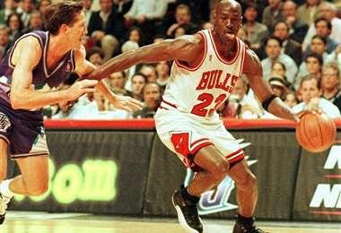 """Michael Jordan recibió duras críticas de su excompañero Horace Grant por el relato de algunos episodios en el documental """"The Last Dance"""". Foto: AFP"""