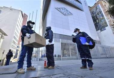 La anterior semana la Fiscalía allanó las instalaciones de la YPFB/Foto: APG