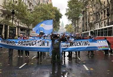 El default, un fantasma que los argentinos quieren espantar