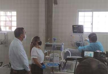 La presidenta Jeanine Áñez entregó equipos médicos a Trinidad en mayo. Foto: ABI