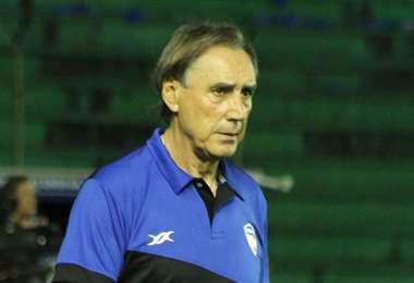 Miguel Portugal tiene 64 años y dirigió a Royal Pari en 12 encuentros del torneo Apertura 2020. Foto: Internet