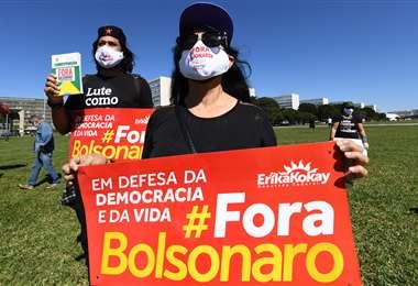 Protesta frente al Congreso Nacional contra las políticas de Bolsonaro. Foto AFP