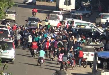 En Yapacaní no hay policías desde el 30 de abril; durante el bloqueo agredieron a una ambulancia