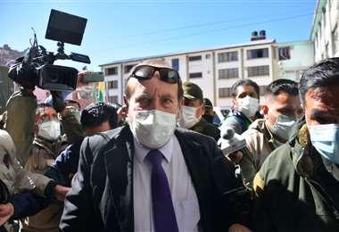 El exministro Marcelo Navajas cuando era conducido a declarar por el caso (Foto: APG)