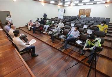 Autoridades del Gobierno y alcaldes cruceños se reunieron en días pasados para abordar este tema. Foto: Fuad Landívar