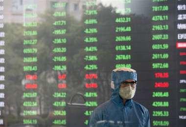 China inyecta miles de millones de yuanes en su economía para paliar la crisis