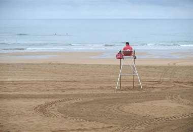 El desconfinamiento llega a las playas europeas