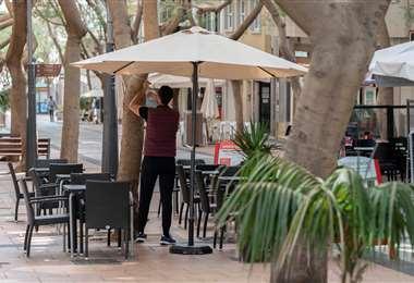 Los negocios empiezan a retomar sus actividades en Madrid y Barcelona