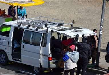 Los minibuseros se dieron formas de trabajas en estas semanas. APG Noticias