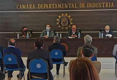 Ortiz se reunió con empresarios de Cochabamba el 22 de mayo para recoger propuestas