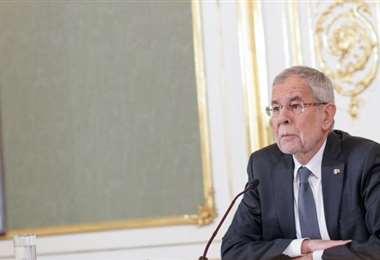El presidente de Austria pide perdón por saltarse el toque de queda por el coronavirus