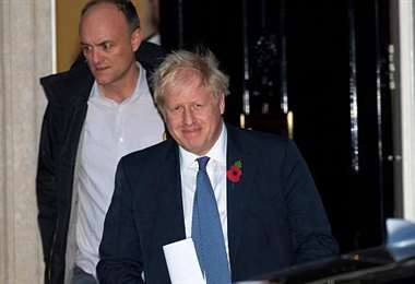 El primer ministro británico mantiene a un asesor acusado de infringir el confinamiento