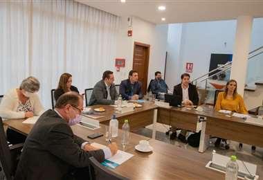 La reunión se dio en la capital cruceña entre actores del sector público y privado