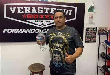 Elvis Verástegui es hombre dedicado al boxeo como deportista y como entrenador. Foto: Internet