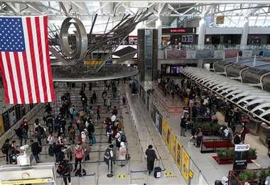 Trump considera prohibir entrada de viajeros desde Brasil por el coronavirus