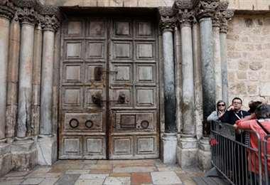 El Santo Sepulcro de Jerusalén aplaza su reapertura