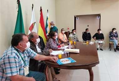 A las 16:00 volverán a reunirse ministros y Sedes de Beni y Santa Cruz