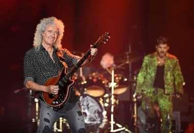 Brian May, guitarrista de Queen, se recupera de una operación
