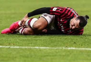 A sus 38 años, Ibrahimovic fichó por el AC Milan, club en el que ya había jugado de 2010 a 2012, en enero y pocas semanas después sufrió una lesión en el gemelo. Foto: AFP