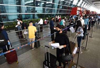 India autoriza vuelos internos tras dos meses de prohibición por pandemia