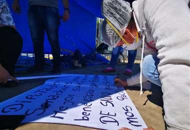 El momento en que se instalaba la huelga de hambre /Foto: Trabajadores de salud