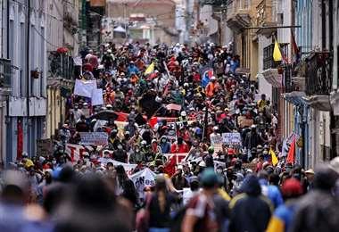 La protesta recorrió las principales calles de Quito. Foto AFP