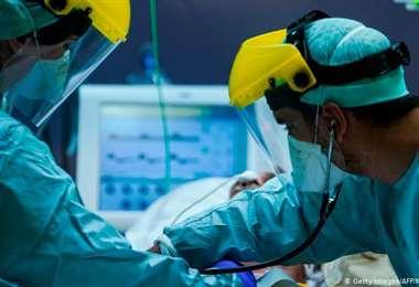 Después de esquivar la muerte, una paciente de Covid-19 reaprende a vivir