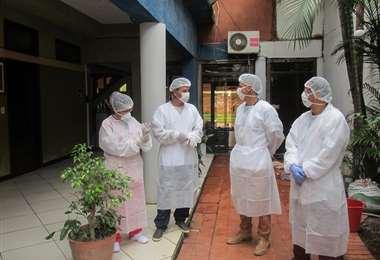 Una de las urgencias es la contratación de personal médico para atender los casos de coronavirus. Foto: APG Noticias