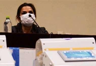 Piden incluir a la presidenta en las investigaciones del caso respiradores. Foto ABI
