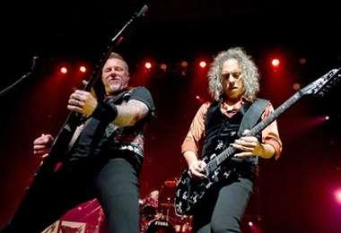 El grupo Metallica rinde homenaje a las madres con el tema Mama Said