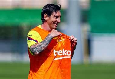 Lionel Messi decidió sacarle la barba esta semana y así se entrena con sus compañeros. Foto: Internet
