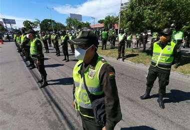 Los uniformados más cercanos al comandante están en aislamiento (Foto: HERNÁN VIRGO)