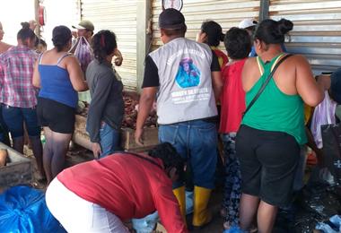 Muchas personas han comenzado a abastecerse antes del inicio de la cuarentena. Foto. Carmelo Cayú