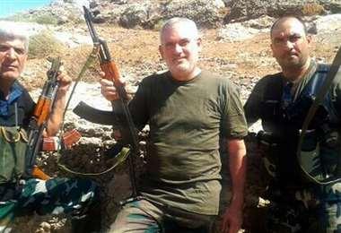 El exdiputado (c) estuvo combatiendo en Siria. Foto Internet
