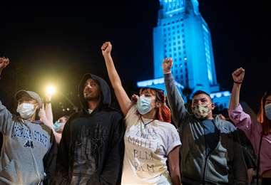 Segunda noche de protestas en EEUU por la muerte de estadounidense negro a manos de la policía