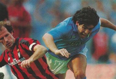 El italiano Baresi y el argentino Maradona fueron rivales