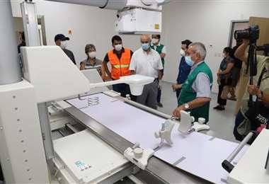 Autoridades inspeccionaron los ambientes y equipos /Foto:Gobernación